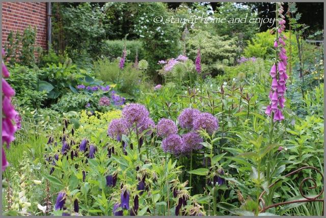 blau-(weißer) Garten - stay at home and enjoy