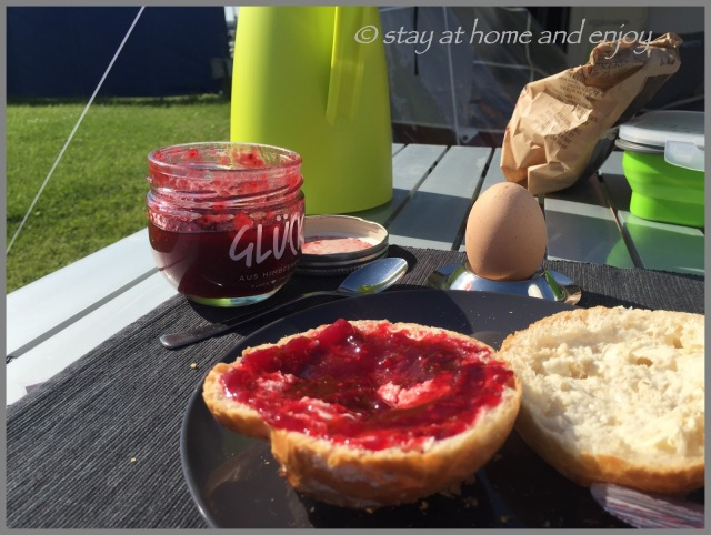 Camping - Frühstück - stay at home and enjoy
