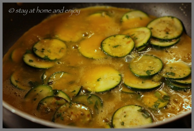 Zucchini-Frittata - stay at home and enjoy