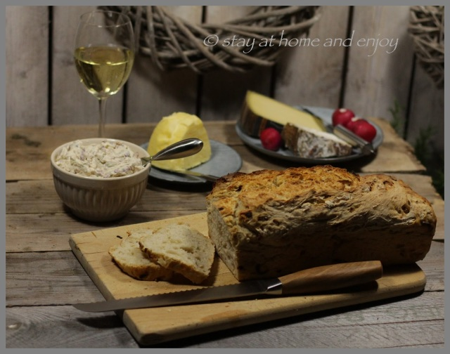 Zwiebelbrot - stay at home and enjoy