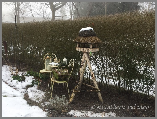 Garten im Schnee - stay at home and enjoy